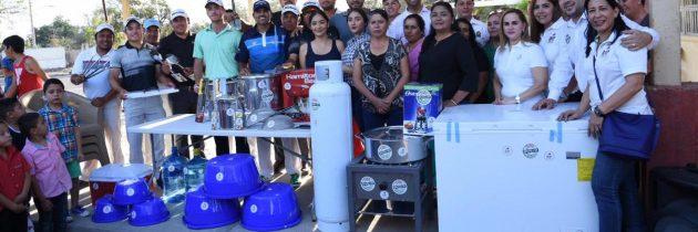 Profesionales apoyan a comunidad sinaloense